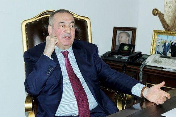 """Deputat: """"Hər kəsə sürücülük vəsiqəsi vermək olmaz, bəzən elə sürürlər ki, maşın az qala uçur..."""""""