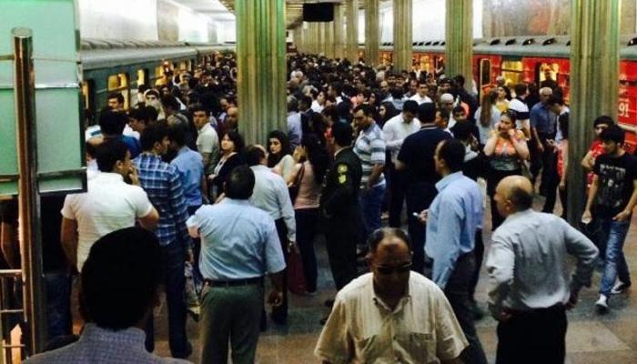 Bakı metrosunda müşahidə olunan sıxlığın səbəbi açıqlandı - VİDEO