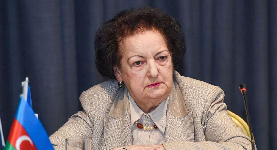 Elmira Süleymanova hər restoranı bəyənmirmiş... - Sabiq nazirdən maraqlı paylaşım